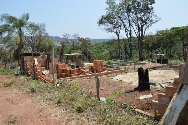 Construções em área de proteção ambiental são autuadas em Contagem
