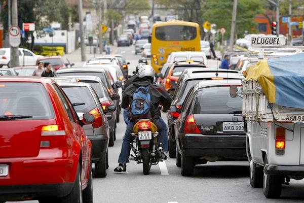 Prazo para pagar taxa de licenciamento de veículos vence nesta segunda-feira