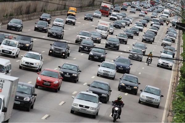 Denúncias de cartel na venda de placas de veículos são discutidas na ALMG