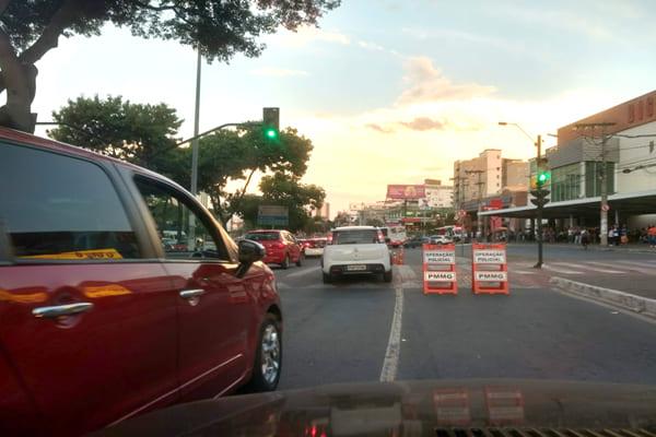 Operação policial complica trânsito no Eldorado