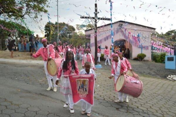 Arturos celebram mais uma festa de Nossa Senhora do Rosário