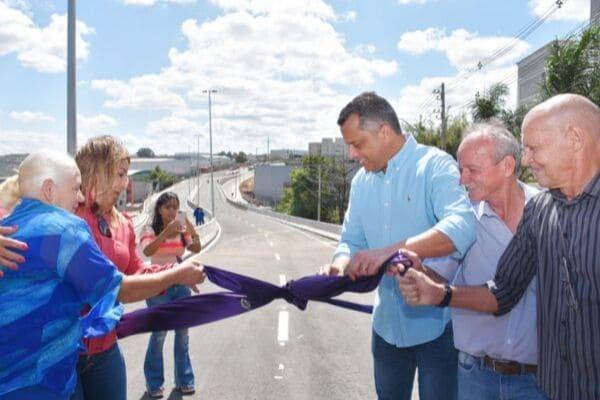 Viaduto das Américas é inaugurado em Contagem