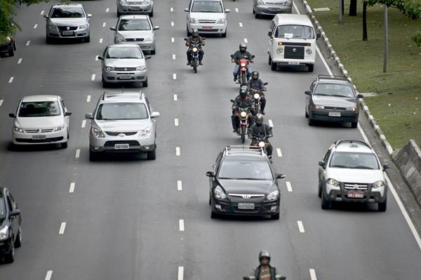 Detran-MG divulga prazos para licenciamento de veículos