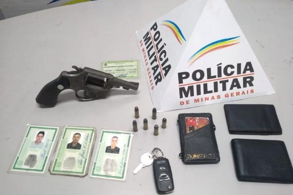 PM apreende armas e recupera veículos roubados em Contagem
