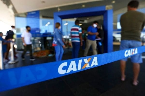 Presidente da Caixa pede uso de canais digitais para reduzir filas