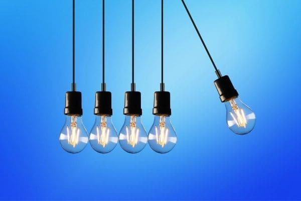 Reajuste nas contas de luz será suspenso em Minas