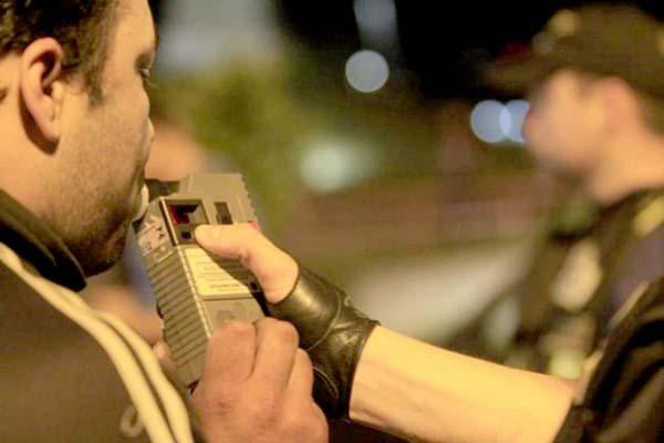 Blitzen da Lei Seca flagram dezenas de condutores alcoolizados em MG
