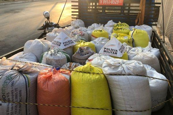 Cargas roubadas de soja são recuperadas em Contagem e BH