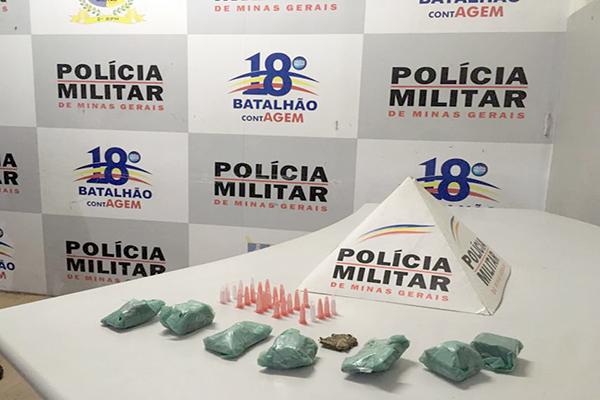 Polícia apreende drogas após denúncias anônimas