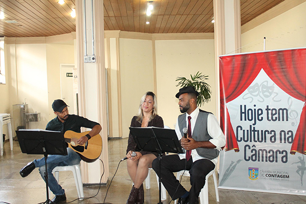 Grupo MusicAll se apresenta na Câmara Municipal