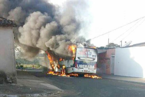 Minas registra 89 ataques a veículos desde domingo