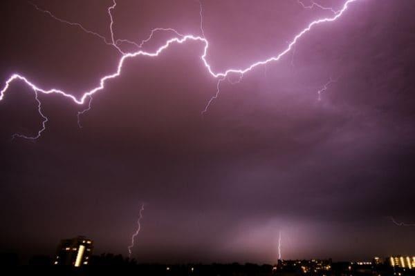 Contagem pode ter pancadas de chuva com trovoadas na quinta-feira