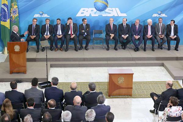 Conheça o perfil dos novos ministros