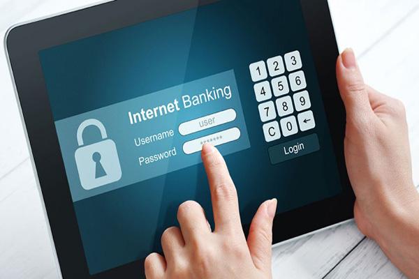 Serviços bancários pelo celular crescem 96%