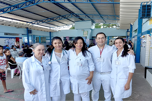 Alunos da Nova Faculdade participam de ação no Darcy Ribeiro