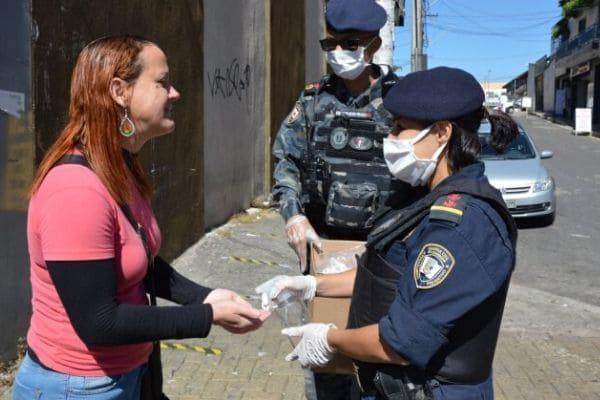 Guarda Civil fiscaliza ônibus e comércio no bairro Eldorado