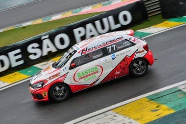 Mineiros vencem mais uma etapa de campeonato em Interlagos
