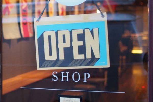 Comércio abre as portas em Contagem no Dia das Crianças
