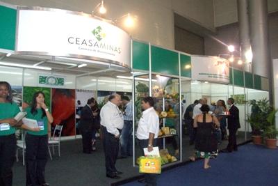 CeasaMinas marca presença em evento supermercadista.