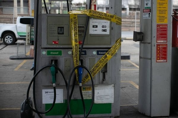 Postos de combustíveis são fiscalizados em Contagem