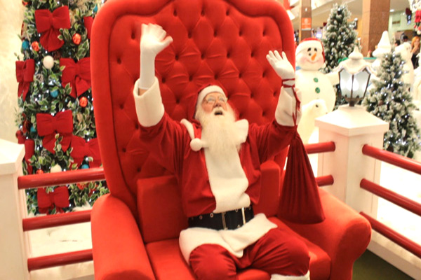 Papai Noel chega a Contagem