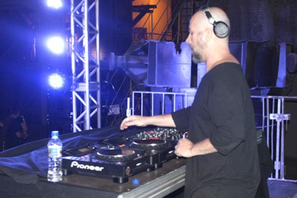 DJs renomados vieram a Contagem debater e tocar