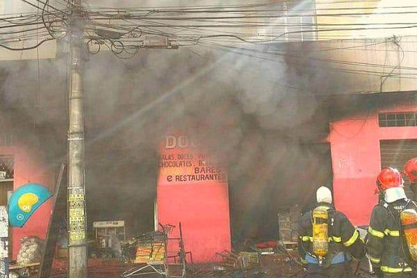 Incêndio destrói mercearia no bairro Eldorado