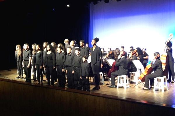 Orquestra infantil de Contagem faz apresentação gratuita no município