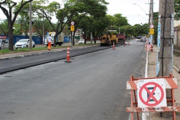 Obras na avenida Babita Camargos acontecem durante o dia