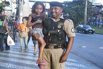 Interação entre Policia Militar e comunidades é possível.
