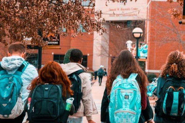 Auxílio de Transporte Estudantil pode ser requerido até dia 30