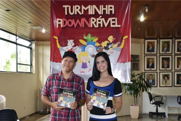 Livro infantil sobre Síndrome de Down é apresentado na Câmara Municipal
