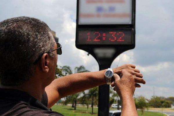 MME mantém recomendação para extinguir horário de verão