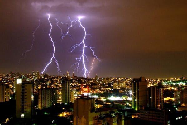 Defesa Civil emite alerta de tempestade severa na RMBH