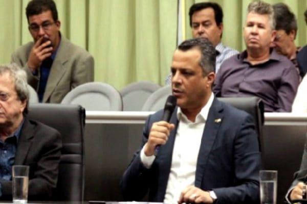 Denúncia contra prefeito é arquivada na Câmara de Contagem