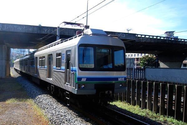 Estação do metrô funciona 24h na Virada Cultural de BH