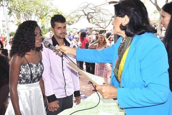 """55 casais disseram """"sim"""" em Casamento Coletivo em Contagem"""