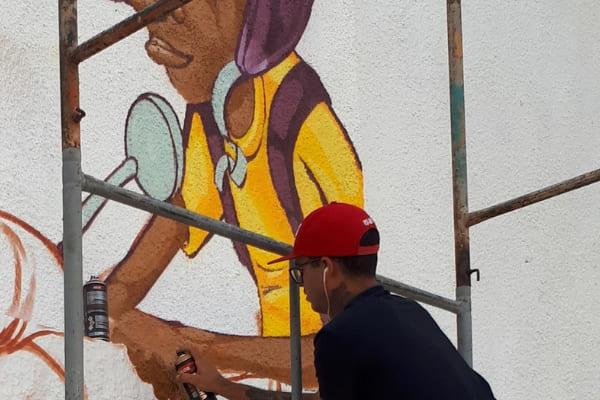 Evento reúne cerca de 40 grafiteiros em parque de Contagem