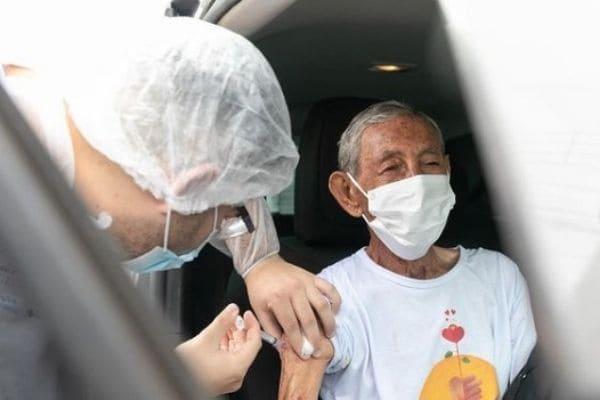 Contagem começa a cadastrar idosos a partir de 85 anos para serem vacinados
