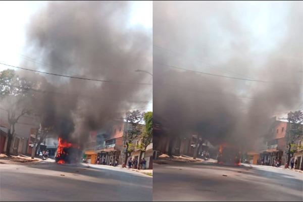 Caminhão pega fogo em Nova Contagem