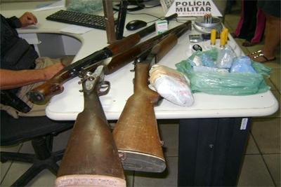 Traficantes trocam tiros com polícia
