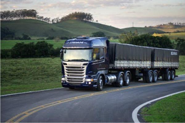 Feriado prolongado tem restrições de tráfego nas estradas