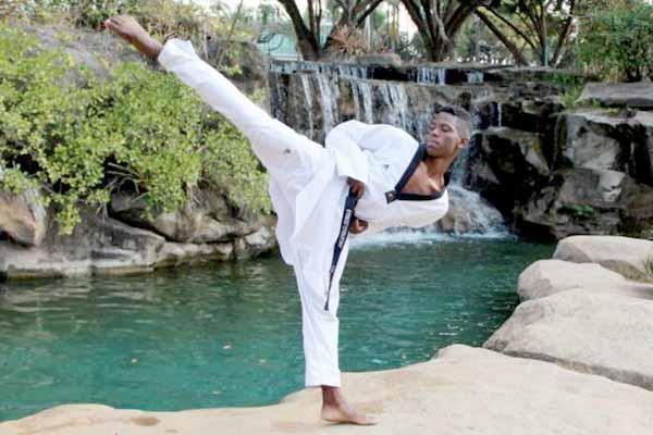 Atleta contagense disputa Pan-Americano de Taekwondo