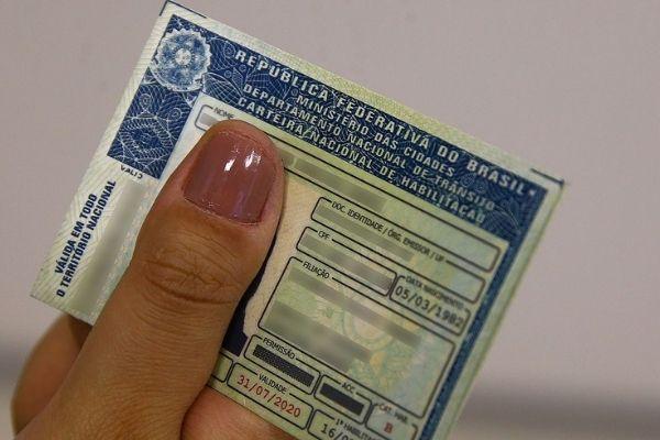 Justiça garante intérprete de libras a pessoa com deficiência em exames de direção