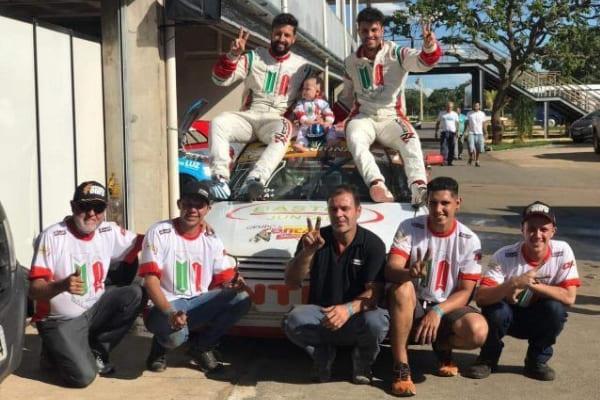 Pilotos de Contagem são bicampeões em campeonato nacional