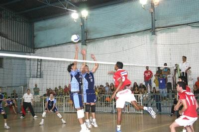 Cidade recebe competição estadual de vôlei