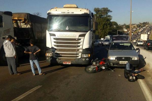 Acidente trava o trânsito no Anel Rodoviário, em BH