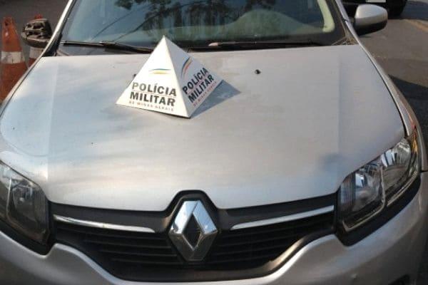 Carro roubado é recuperado no bairro Novo Boa Vista