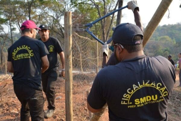 Força-tarefa identifica loteamento irregular e crimes ambientais em Contagem