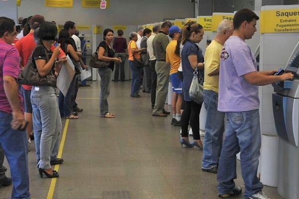 Bancos fecham na segunda e na terça-feira de carnaval